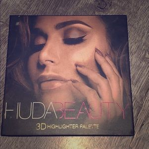 Huida beauty 3D highlighter palette